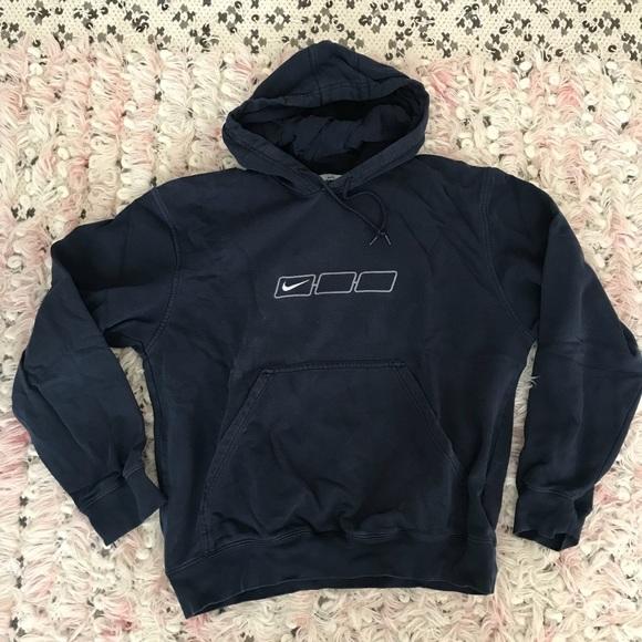 1d604f2074eb Vintage 90 s Nike Hoodie. M 5ad6daf0077b97153499a269